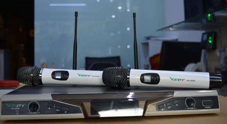 Micro không dây VietKTV VK 406A Ảnh thực tế