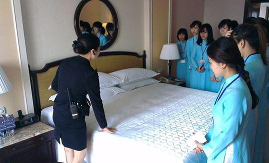 bộ đàm phục vụ khách sạn, nhà hàng